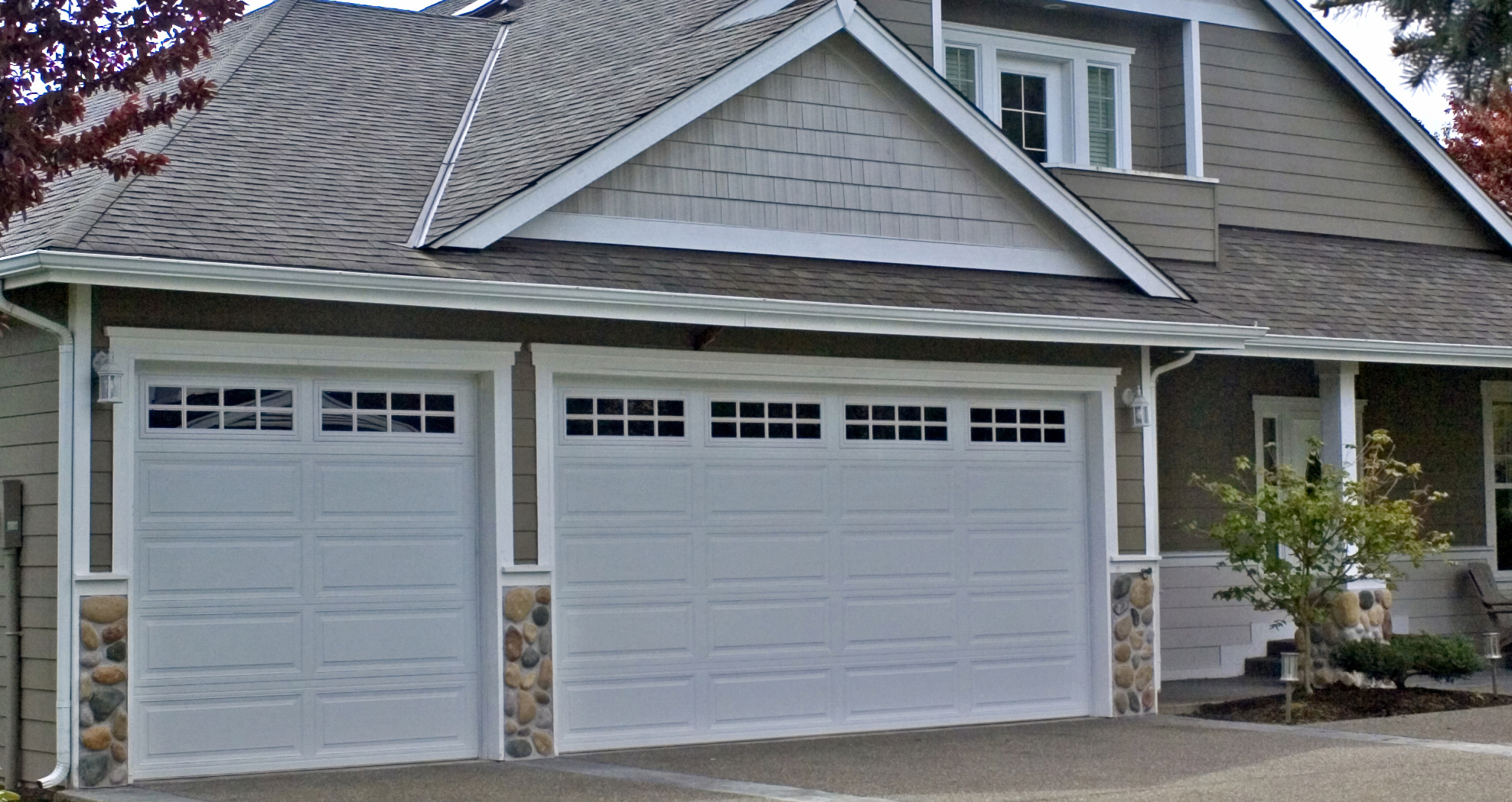 Residential commercial garage doors northwest door for Two door garage