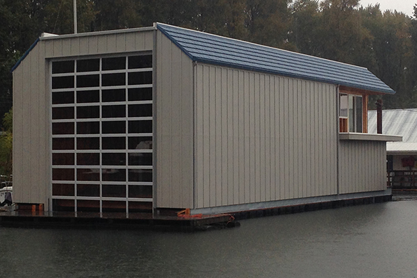 The Installing Dealer Pacific Overhead Door Of Portland Oregon Made Their Way Up To Longview Washington Install This On Columbia River